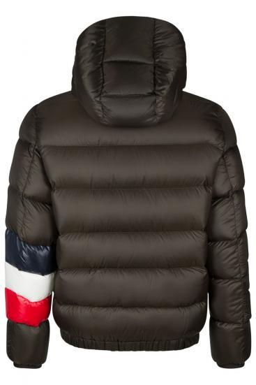 online store 43704 7e032 MONCLER ▷ Damen & Herren Mode Onlineshop | SAILERstyle